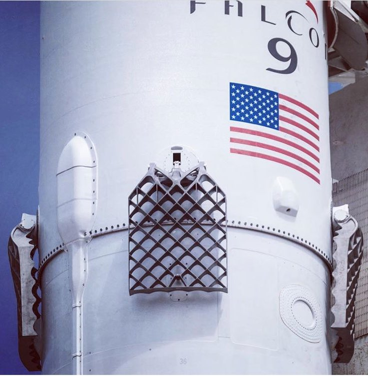 SpaceX Grid Fins.jpg-large.jpeg