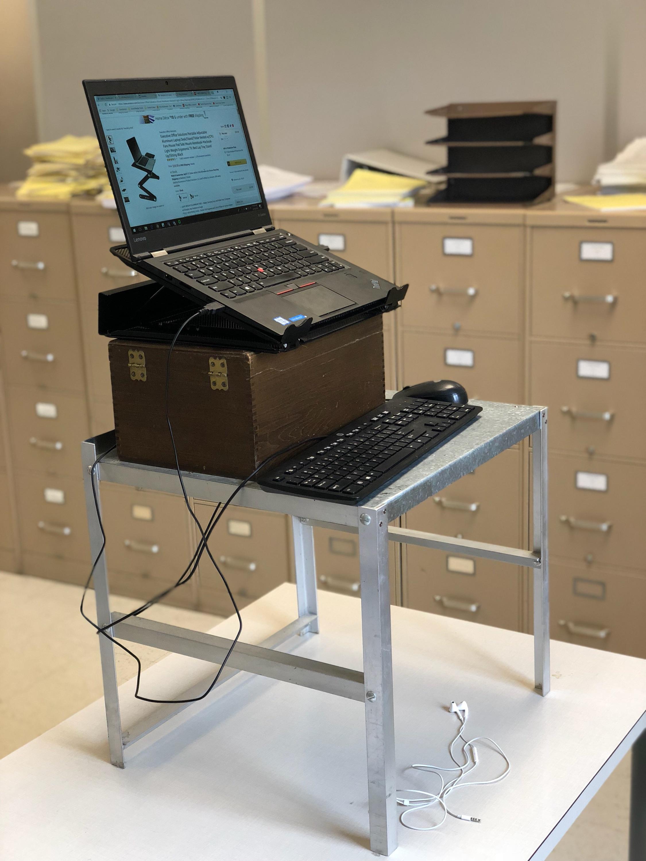 Standing Up Desk