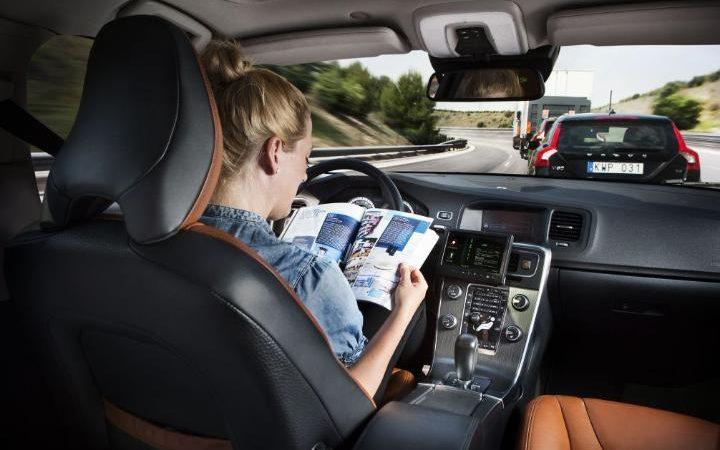 Volvo_driverless_car.jpg